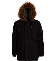 <p>Parka APHA INDUSTRIES Polar Jacket, manches longues, poignets à bords-côtes, col montant, capuche doublée avec bord en fausse fourrure, coupe droite, fermeture par zip sous patte boutonnée, deux poches chauffe-mains zippées, une poche Napoléon, deux poches plaquées à rabats, une poche sur la manche, patchs sur les épaules, remplissage en duvet</p><p>53 % nylon 47 % polyester</p><p>Doublure 100 % polyester</p><p></p> 144€