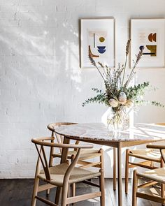 Simple styling lets the gorgeous pink marble table shine in this pared back dining nook in Surry Hills Cote Interiors Dining Room Inspiration, Interior Inspiration, Living Comedor, Interior Exterior, Interiores Design, Home Furniture, Dining Furniture, Home Furnishings, Sweet Home