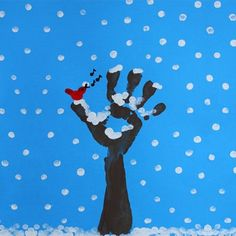 Finger painting: Winter Tree : Winter is here and the trees have lost all their leaves, but their bare branches covered with snow make them beautiful and unique. Here is how to use finger painting to paint a winter tree. Winter Art Projects, Winter Project, Winter Crafts For Kids, Preschool Winter, Daycare Crafts, Classroom Crafts, Toddler Crafts, Winter Trees, Winter Fun