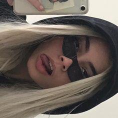 Pin on Makeup Soft Grunge Hair, Grunge Girl, Badass Aesthetic, Bad Girl Aesthetic, Aesthetic Grunge, Insta Photo Ideas, Insta Pic, Model Tips, Tumbrl Girls