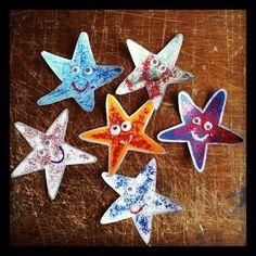 Estrelles de mar fetes amb cartulina, purpurina i ulls mobils