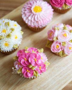 Done by student of Better class (베러 정규클래스/Regular class) www.better-cakes.com  Inquiry : bettercakes@naver.com  - 베러케이크 / Better Cake - Butter Cream Flower Cake & Class  Seoul, Korea based http://www.better-cakes.com Instagram : @better_cake_2015 Mail : bettercakes@naver.com Line : better_cake Facebook : Sumin Lee…