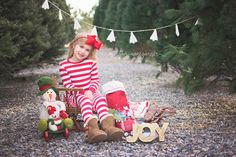 Christmas Tree Farm Photos | Morgan Winegarner Photography | Colorado Springs, CO Family Photographer #coloradophotographer #coloradospringsfamilyphotographer #treefarmphotos #treefarmminis #Christmasphotos