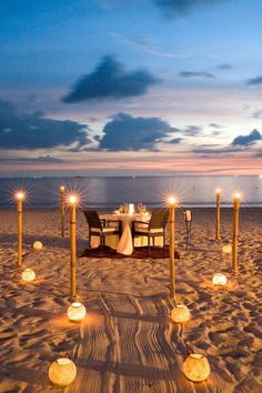 Casa del Mar, Langkawi (Langkawi, Malaysia The resort's fusion cuisine is best enjoyed on the beach during a one-of-a-kind private dinner. Romantic Date Night Ideas, Romantic Dates, Romantic Dinners, Beach Dinner, Beach Picnic, Cute Date Ideas, Dream Dates, Beach Date, Romantic Beach