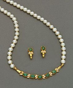Mangatrai The Original Pearl Necklace Designs, Gold Earrings Designs, Beaded Necklace, Antique Jewellery Designs, Gold Jewellery Design, Gold Jewelry Simple, Stylish Jewelry, Creations, Gold Pendant