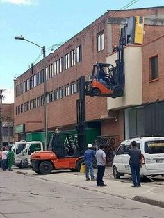 Ridiculous safety first fails of the day that will force you to say wtf. Best Funny Photos, Funny Images, Funny Pictures, Safety Pictures, Crazy Pictures, Safety Fail, Vrod Harley, Meanwhile In Russia, Darwin Awards