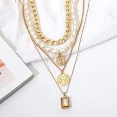 Gold-Halskette einzigartige 4 Stück Halsband Perle Münze   Etsy Layered Pearl Necklace, Diamond Cross Necklaces, Layered Chokers, Multi Layer Necklace, Pearl Pendant Necklace, Necklace Set, Pearl Necklaces, Gold Necklace, Necklace Charm