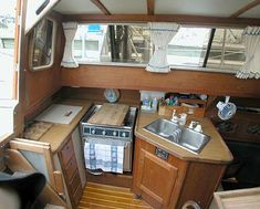 Gulf 32 Pilothouse for Sale by Jan Guthrie Yacht Brokerage Sailboats For Sale, Small Sailboats, Boat Building Plans, Boat Plans, Boot Dekor, Trawler Boats, Sailboat Interior, Living On A Boat, Buy A Boat