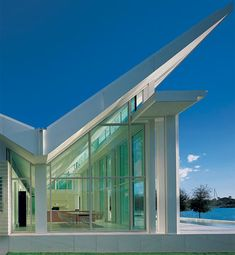 Architectural Digest: Klaus and Ulla Neugebauer looked to Richard Meier for the design of their waterfront house in Naples, Florida