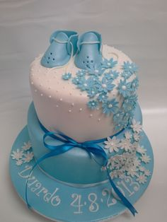 colours could be changed for a girl or to be neutral Baby Boy Cakes, Cakes For Boys, Baby Shower Cakes, Christening Cake Boy, Christening Cakes, Boy Baptism, Cupcakes, Cupcake Cakes, Choco Moist Cake