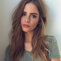 Spring is a perfect time to revamp your beauty look and try new styles.Spring is a perfect time to revamp your beauty look and try new styles. To help inspire you, we've collected ten of the chicest beauty . Hair Inspo, Hair Inspiration, Beauty Trends, Beauty Hacks, Foto Face, Beauty Makeup, Hair Beauty, Full Makeup, Makeup Eyes