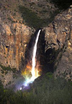 Yosemite-Falls-Rainbow-01.jpg