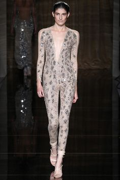 Julien Macdonald Spring 2014 Ready-to-Wear Collection Slideshow on Style.com.                         ~                          Hmmm - it sure is different... !
