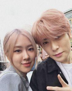 Kpop Couples, Park Chaeyoung, Perfect Couple, Hush Hush, Jaehyun, Couple Goals, Besties, Siblings, Couple Photos