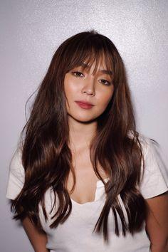 Kathryn Bernardo Photoshoot, Kathryn Bernardo Hairstyle, Pretty Hairstyles, Easy Hairstyles, Hair Inspo, Hair Inspiration, Hair Color For Morena, Thin Bangs, Filipina Girls