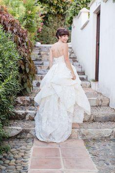 Tendance Robe du mariage This charming gown: www. Wedding Bridesmaid Dresses, Bridal Dresses, Wedding Gowns, Wedding Bells, Wedding Venues, Wedding Album, Wedding Attire, Bridesmaids, Destination Wedding