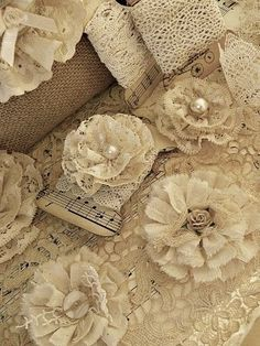 Lace flowers - no pattern but could be reproduced