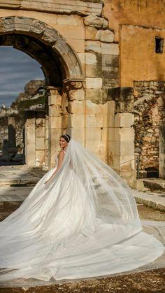 Next Wedding, Perfect Wedding Dress, Elegant Wedding, Dream Wedding, Wedding Fun, Bridal Outfits, Bridal Dresses, Little Girl Wedding Dresses, Elegant White Dress