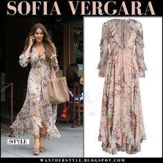 Sofia Vergara in blush floral print long dress zimmermann Trendy Dresses, Nice Dresses, Short Dresses, Fashion Dresses, Dress Long, Moda Xl, Printed Gowns, Bohemian Mode, Frack