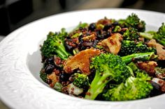 """The """"Where Do You Get Your Protein?"""" Salad - 35 grams of protein per serving & it looks delish!"""