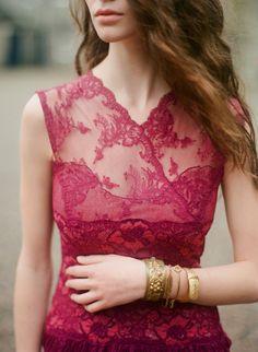 me encanta este vestido...el color, el diseño, la tela... todo!!