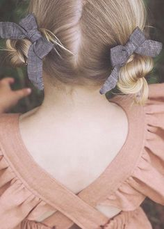 Beautiful Handmade Linen Hair Bows | lindsaybrookdesigns on Etsy