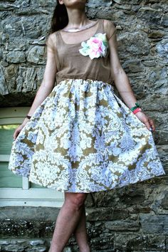 top di tulle ricamato, gonna a palloncino con fantasia floral - total look made by me Romantic Outfit, Diy Clothes, Midi Skirt, Floral Prints, Tulle, Roses, Sequins, Homemade, Skirts
