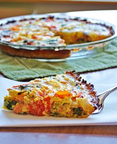 Paleo - Tomato, Bacon and Arugula Quiche with Sweet Potato Crust. (The Freckled Foodie) Whole 30 Lunch, Whole 30 Breakfast, Paleo Breakfast, Breakfast Recipes, Dinner Recipes, Breakfast Quiche, Brunch Recipes, Paleo Recipes, Real Food Recipes