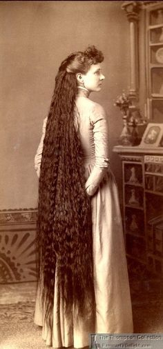 Victorian Girl with very, long, hair. Vintage Hairstyles For Long Hair, Victorian Hairstyles, Down Hairstyles, Really Long Hair, Super Long Hair, Natural Hair Styles, Long Hair Styles, Beautiful Long Hair, Hair Art