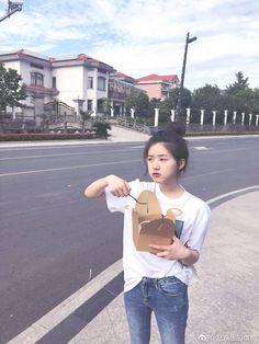 Beautiful Chinese Girl, Girl Inspiration, Chinese Model, Chinese Actress, Girl Photography Poses, Actors, Ulzzang Girl, Aesthetic Girl, Dramas