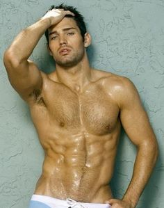 Gym fit...WHAT A STUD....VERY HOT MAN.....GREAT BODY......HOT HOT HOT
