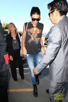 Kendall Jenner wearing Balenciaga Spring 2011 Ceinture Cut Out Boots, Hermes Rivale Leather Bracelet, Celine Cl 41756/S Zz-Top Sunglasses in Black, Mulberry Kensington Satchel Bag and Vintage Megadeth T-Shirt
