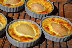 FLANS AUX POIRES WEIGHT WATCHERS Thermomix Desserts, Weight Watchers Desserts, Gourmet Desserts, Healthy Desserts, Flan Dessert, Weigth Watchers, Sweet Tooth, Food And Drink, Yummy Food