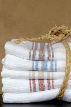 A versatile cotton and bamboo body & spa wrap. Woven at the Mungo Mill in Plettenberg Bay, South Africa. Hand Towels, Tea Towels, Terry Towel, Just Beauty, Bath Sheets, Pool Towels, Linens And Lace, South Africa, Hand Weaving
