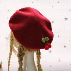 French Beret Hat, Wool Berets, Black Velvet Dress, Idee Diy, Cute Bears, Retro Dress, Winter Hats, Crochet Hats, Autumn