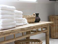 meuble-bambou-salle-de-bain-en-bambou-salle-de-bain-sous-pente-meubles-en-bois-clair Le Style Zen, Entryway Bench, Bathrooms, Furniture, Photos, Home Decor, Wood Furniture, Bamboo Bathroom, City Bathroom Inspiration