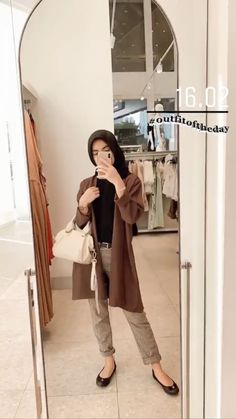 ootd hijab ke gunung bromo \ ootd gunung bromo ` ootd gunung bromo hijab ` ootd gunung bromo non hijab ` ootd ke gunung bromo ` ootd hijab ke gunung bromo Modern Hijab Fashion, Street Hijab Fashion, Hijab Fashion Inspiration, Muslim Fashion, Fashion Outfits, Stylish Hijab, Casual Hijab Outfit, Ootd Hijab, Hijab Style Dress