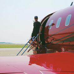 Next stop for my @bombardier_jets #Challenger 605... Hungary! #TeamLH #HungarianGP