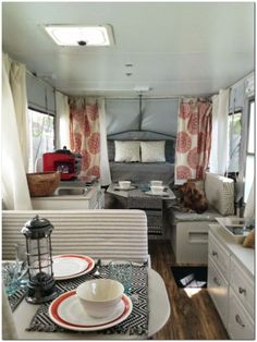 Gorgeous 49 Genius RV Camping Living Decor Remodel Makeover Ideas https://toparchitecture.net/2017/11/14/49-genius-rv-camping-living-decor-remodel-makeover-ideas/