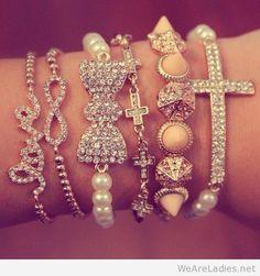 #Lovely bracelets for girls with diamonds