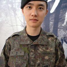 Kyungsoo, Kaisoo, Kpop, Exo Do, Do Kyung Soo, Exo Members, Military Jacket, Actors, Wallpaper Lockscreen