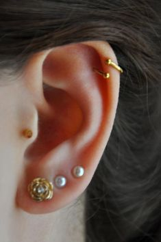 spiral cartilage earring - hadnt seen this in gold yet