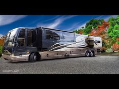 top 5 most expensive and luxury motor homes, prevost bus and rv coach. these motor home's have future technology. you can use these motor home for your famil. Vacation Mood, Vacation Style, Super C Rv, Prevost Bus, Luxury Motorhomes, Luxury Bus, Slider, Luxury Camping, Futuristic Cars
