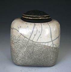 Caja Cuadrada: Candone Wharton: Ceramic Box | Artful Home