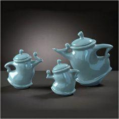 TEA POTS Alice in wonderland