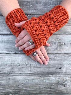 Ravelry: BrenLeigh Fingerless Gloves pattern by Avery Lane Creations Crochet Dog Sweater Free Pattern, Crochet Fingerless Gloves Free Pattern, Crochet Mitts, Crochet Wrist Warmers, Crotchet Patterns, Fingerless Mitts, Crochet Ideas, Hat Patterns, Crochet Crafts