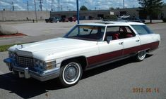 1974 Cadillac Sedan de Ville station wagon