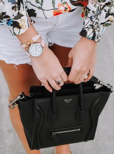 I've been having a love affair with Parker clothing recently. I am loving their prints and adorable silhouettes, like this cold shoulder top. Celine Nano Luggage, Celine Bag, Lv Handbags, Louis Vuitton Handbags, Runway Fashion, Fashion Fashion, Fashion Trends, Painted Shoes, Ray Ban Sunglasses