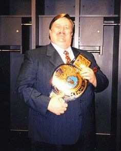 Paul Bearer with the WWF Championship Paul Bearer, Wwe, Cool Photos, Wrestling, Champs, Boxing, Legends, Gallery, Youtube