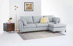 Canapé lit d'angle Bari avec compartiment de rangement, en polyester et coton bleu mentholé, 88 x 255 x 92/152 cm, 1399 euros, Made.com.